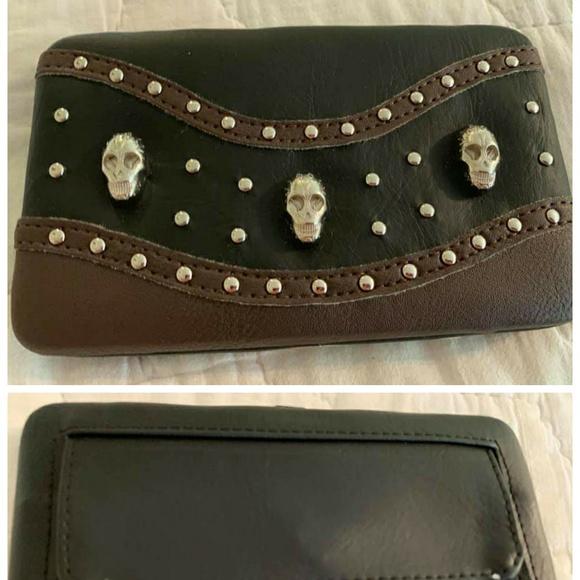 Handbags - Nwt skull wallet